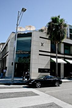 Rodeo Drive, Los Angeles, CA Copyright: Wilfried Vogel Where I got my first LV! Boujee Aesthetic, Aesthetic Pictures, Beverly Hills, Los Angeles Wallpaper, Los Angeles Usa, Luxe Life, Dream City, California Dreamin', Rodeo