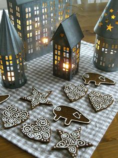 Pretty lanterns and gingerbread cookies!