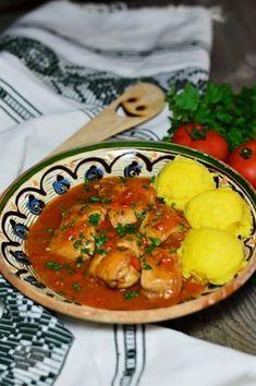 Tocanita de pui New Recipes, Vegan Recipes, Cooking Recipes, Vegan Food, Romanian Food, Romanian Recipes, Russian Recipes, Best Appetizers, Party Snacks