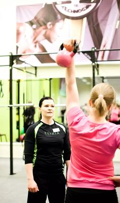 Kotiäiti Jenni Heiti päätti lopettaa selittelyt, ja aloittaa kuntokuurin. Tavoitteena on 10 kiloa 10 viikossa. Gymnastics, Health Fitness, Sporty, Exercise, Style, Fitness, Ejercicio, Swag, Exercises
