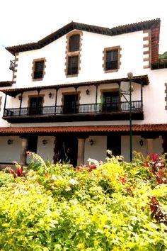 La Real Compañía Guipuzcoana fue una figura jurídica constituida el 25 de septiembre de 1728. Se encuentra en el puerto venezolano de La Guaira, cercano a Caracas. Afortunadamente, esta reliquia histórica no resultó deteriorada durante las inundaciones ocurridas en el Estado Vargas en diciembre de 1999. Venezuela
