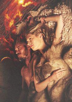Y morirme contigo si te matas. Y matarme contigo si te mueres. Porque el amor cuando no muere mata. Porque amores que matan nunca mueren.. #Ragnar #Lagertha #Loveforever #Vikings
