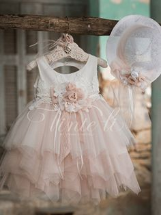 Girls Formal Dresses, Flower Girl Dresses, Wedding Dresses, Kids Outfits, Cute Outfits, Baby Girl Baptism, Red Apple, My Princess, Beautiful Children