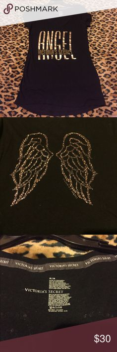 VICTORIA SERCET TOP VS SHIRT WITH GOLD LETTING AND ON THE BACK GOLD ANGEL WINGS ALL SEQUENCE ARE INTACT.. SIZE MED PINK Victoria's Secret Tops Tees - Short Sleeve