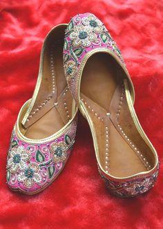 Magenta Colored Punjabi Jutti (Mojris) Price: 1,780INR