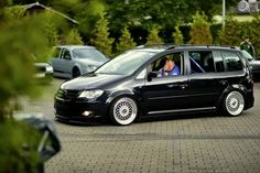 VW Touran Vw Caddy Maxi, Volkswagen Touran, Van Car, Vans Style, Car Tuning, My Ride, Car Pictures, Cool Cars, Automobile