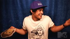 This is Bob Morley… | Community Post: Bob Morley At The Teen Choice Awards Is All Of Us