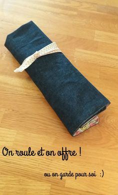 """Search Results for """"Trousse"""" – Les aiguilles de Gouagoua Coin Couture, Couture Sewing, Diy Valentines Day Gifts For Him, Valentines Diy, Crochet Christmas Gifts, Crochet Gifts, Bandana Bib Pattern, Diy Fall Wreath, Valentine's Day Diy"""