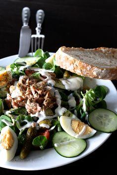 Salade de mâche oeuf dur-thon