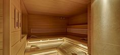 Fusion of sporty, modern design and a high degree of comfort. Indoor Sauna, Sauna Design, Finnish Sauna, Modern Design, Relax, Stairs, Sporty, Spa, Home Decor