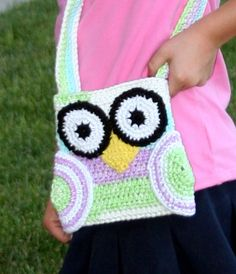 Crochet Owl Purse: Cute for when Lilly's into purses, which lets face it - she my daughter so it will be soon LOL!