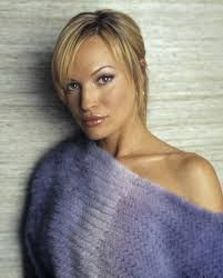 Are you interested in knowing Jolene Blalock closely? is one of the popular and loved American TV actresses and models. Scotty Star Trek, Star Trek Cast, Star Trek Starships, Star Trek Enterprise, Divas, Jason And The Argonauts, Dame Diana Rigg, Star Trek Convention, Jolene Blalock