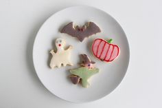 Halloween cookies (gluten free & vegan) - via http://exexp.at