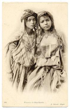 Algerian Girls -- 1906