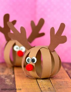 Paper Ball Reindeer Craft – Easy Peasy and Fun - Rentier basteln Homemade Christmas Crafts, Christmas Crafts For Kids To Make, Christmas Activities For Kids, Homemade Crafts, Christmas Projects, Kids Christmas, Diy For Kids, Holiday Crafts, Easy Crafts