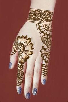 Very Simple Mehndi Designs, Mehndi Designs For Kids, Henna Tattoo Designs Simple, Back Hand Mehndi Designs, Mehndi Designs 2018, Mehndi Designs Book, Mehndi Designs For Beginners, Mehndi Design Photos, Mehndi Simple