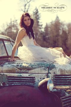 cowboys cowgirl fancy farmgirl boots vintage prom dress wedding truck saddle horse photography #Cake