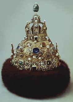 THE ROMANOVS JEWELS ~ The Tzar cap of the first Romanov, Mikhail. A part of 'Tzar's Grand Gown'.  Made in 1627-1628 for grand events and meetings by Moscow jewelers. Saved in The Armory Fund, Moscow Kremlin, together with scepter and orb. All Tzar's Grand Gown's weight is 3,5 kg of gold and consists of more then 500 diamonds, rubies, emeralds, sapphires.