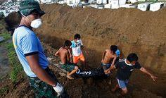 Typhoon Haiyan mass burial