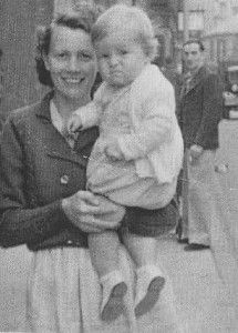 Bon Scott as a baby, AC/DC with mother and father Derek Scott, Bon Scott, Thunder From Down Under, Ac Dc Rock, Mother Son, Father, Angus Young, Band Memes, Blues Rock