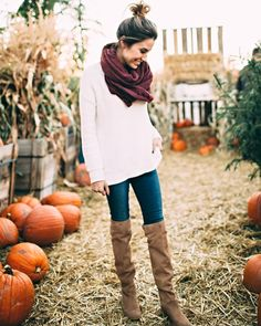 The best casual thigh high boots outfit there is! Fashion Moda, Look Fashion, Womens Fashion, Fashion Trends, Casual Fall Fashion, Fall Fashion Boots, Runway Fashion, School Looks, Fall Winter Outfits