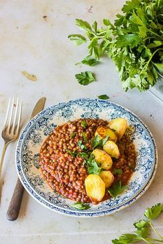 Lentils with tomato - recette - Vegetarian Recipes Vegetarian Breakfast Recipes, Veggie Recipes, Gourmet Recipes, Low Carb Recipes, Healthy Recipes, Vegetarian Gumbo, Healthy Eating Tips, Healthy Nutrition, Clean Eating