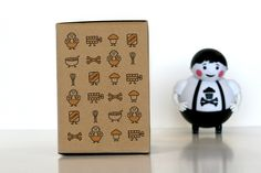 Art direction of packaging design and construction for Johnny Cupcakes' first vinyl toy, Big Kid. Kids Packaging, Pretty Packaging, Brand Packaging, Packaging Design, Product Packaging, Johnny Cupcakes, Vinyl Toys, Graphic Design Illustration, Graphic Design Inspiration