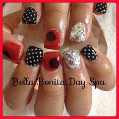 Roses, poka dots, glitter nail art. Gel nails