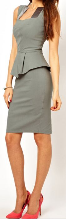 Elegant grey dress paired with a pop of pink shoes! #interviewoutfit #workoutfit #bfcloset