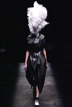 Comme des Garçons Spring 2009 Ready-to-Wear Fashion Show