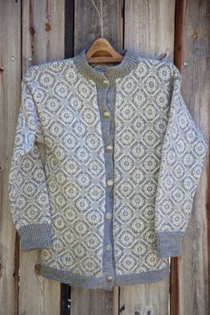 Easy Knitting Patterns for Beginners - How to Get Started Quickly? Easy Knitting Patterns, Knitting Stitches, Free Knitting, Norwegian Knitting, Fair Isle Knitting, Scarf Design, Vintage Knitting, Knit Cardigan, Mantel