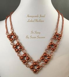 Honeycomb Jewel Linked Necklace Tutorial - So Sassy By Susan Sassoon Beaded Jewelry Designs, Seed Bead Jewelry, Necklace Designs, Diy Jewelry, Jewelry Making, Necklace Ideas, Jewelry Ideas, Beading Patterns Free, Beading Tutorials