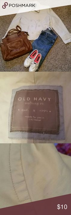 Old Navy cream size M jacket Old Navy size M cream jacket. Perfect for the upcoming fall weather!!! Small stain on back of left sleeve as well as on top. Hardly noticeable! Price reflected. Old Navy Jackets & Coats