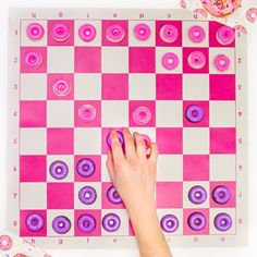 Check out this easy to make DIY Chocolate Donut Checkers Game!!