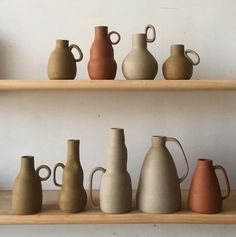 Best Ceramics Tips : – Picture : – Description Helen levi -Read More – Ceramic Pitcher, Ceramic Clay, Ceramic Plates, Ceramic Pottery, Slab Pottery, Cerámica Ideas, Keramik Design, Deco Originale, Paperclay