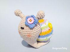 Lady snail amigurumi pattern