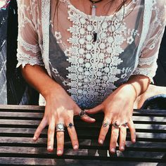 hoyller:  coconuty:  Boho blog.Come and chat!  x H O Y L L E R x