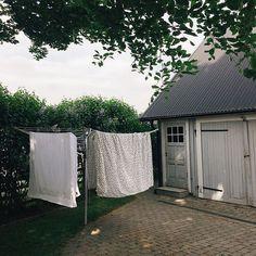 Tvätta miljösmart & förläng hållbarheten på kläder & textilier.  Läs våra tips: https://ift.tt/2qt5WER  #thinkorganicse