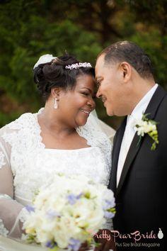 #curvybrides {Real Plus Size Wedding} Southern Hospitality Tennessee Wedding | Pretty Pear Bride | http://prettypearbride.com/real-plus-size-wedding-southern-hospitality-tennessee-wedding/