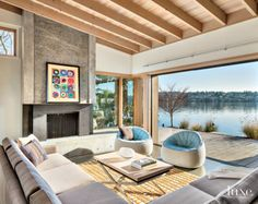 A Modern Mercer Island Residence with Tranquil Lakefront Views