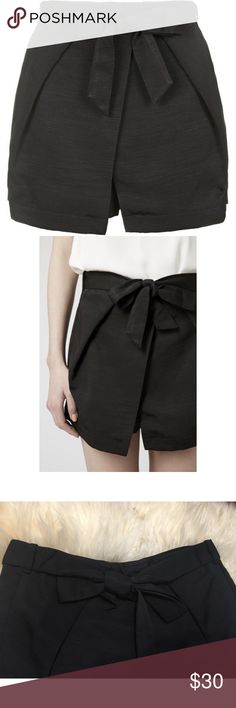 NEW! Topshop Origami Wrap Tie Skort 💓 this is a brand new never been worn skort from the brand Topshop. The tags are still attached and can be purchased for full price online or in stores. I'm not accepting offers on this product, and I don't trade; however, I do offer a bundle discount. Cheers ✨ Happy Poshing! 💓 Topshop Skirts Mini