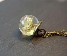 Blütenschmuck - °°Echte  Blüten Kette Bronze °°  - ein Designerstück von Mirakel1807 bei DaWanda Gemstone Rings, Silver Rings, Bronze, Gemstones, Vintage, Jewelry, Craft Gifts, Pearl Jewelry, Jewels