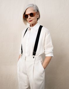 Accidental Icon - In September Fordham University professor and social worker Lyn Slater was at New York Fashion Week when a case of mistaken identity happened. Mature Fashion, Over 50 Womens Fashion, Fashion Over 50, Fashion Week, Star Fashion, Fashion Models, Fashion Brands, Fashion Show, Fashion Tips