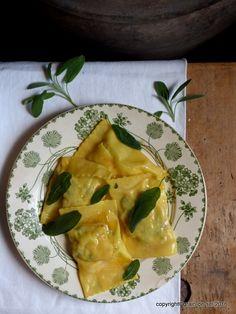 grain de sel - salzkorn: Zucchini-Ziegenfrischkäse-Maultaschen