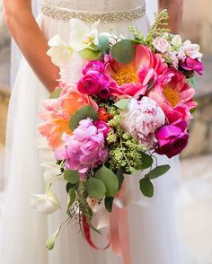 Such a fabulous #realwedding on the blog today! It's a colorfest in…