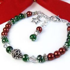 Christmas Bracelet Red Green, Star Charm, Adjustable Holiday Jewelry | PrettyGonzo - Jewelry on ArtFire
