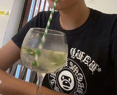 White Wine, Glass Of Milk, Alcoholic Drinks, Ivy, Affair, Food, Women, Essen, White Wines