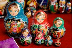Google Image Result for http://www.ifimages.com/photos/v4aBG8dGXJAsXclGmnPZtD0mOn8/author-757/Colorful-set-Russian-nesting-dolls.jpg