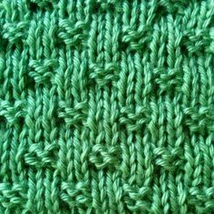 Tiny Woven Basketweave stitch is a variation of the Basketweave stitch. Its simple and easy-to-knit design makes this stitch perfect for beginners! Baby Hat Knitting Patterns Free, Dishcloth Knitting Patterns, Knit Dishcloth, Crochet Stitches Patterns, Stitch Patterns, Knitting Ideas, Free Knitting, Knitting Projects, Free Pattern