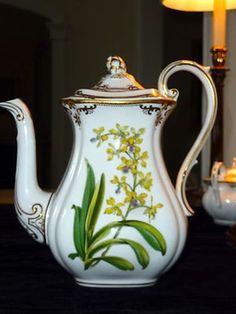 Spode STAFFORD FLOWERS (ENGLAND) rare coffee  pot and cover